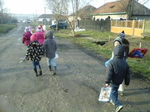 Aici: pe drum, după ce am plecat de la părintele Bădica.