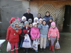 Aici suntem acasă la familia copilului Nicolae Adrian-Florin.