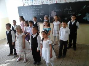 """Imnul clasei: """"Cei mai buni!"""", muzică și versuri: Liana Opriș"""